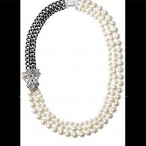 Stella&Dot daisy necklace NWOT